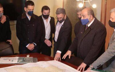 El Gobernador Manzur visitó la oficina de Catastro Tucumán